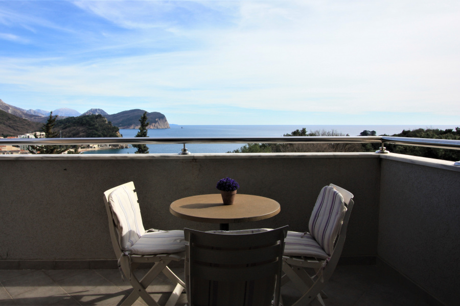 Apartment In Petrovac