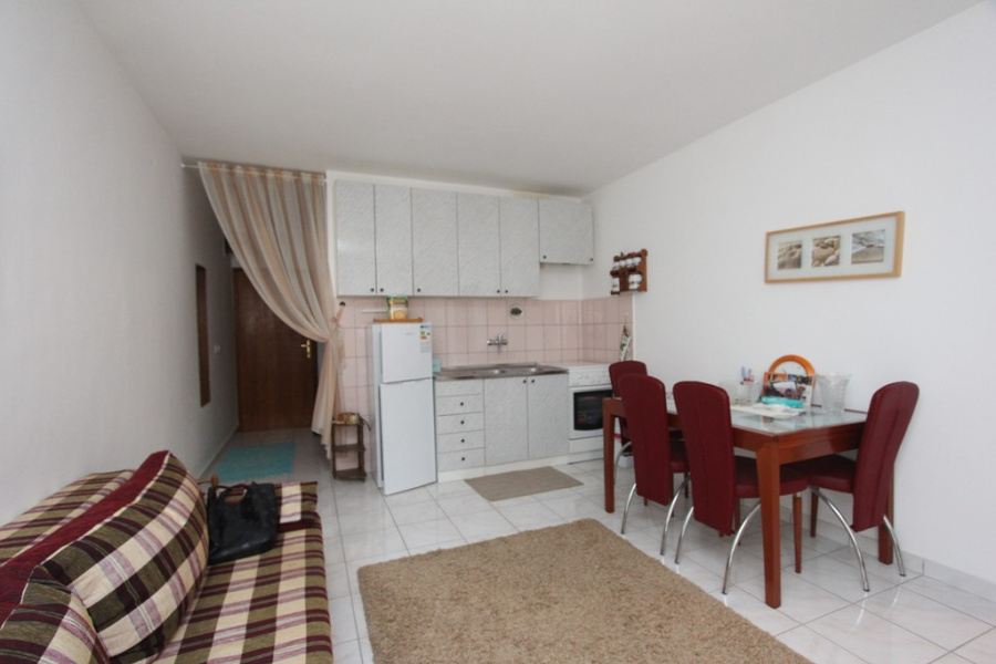 A cosy apartment in Sutomore