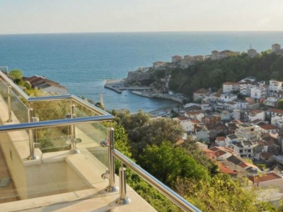 An apartment with sea view in Ulcinj